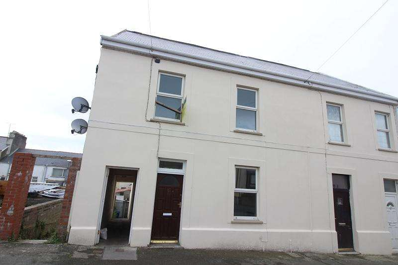 3 Bedrooms Semi Detached House for sale in Robert Street, Milford Haven, Pembrokeshire. SA73 2DJ