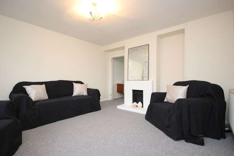 3 Bedrooms Property for rent in Rose Lane, Romford, RM6