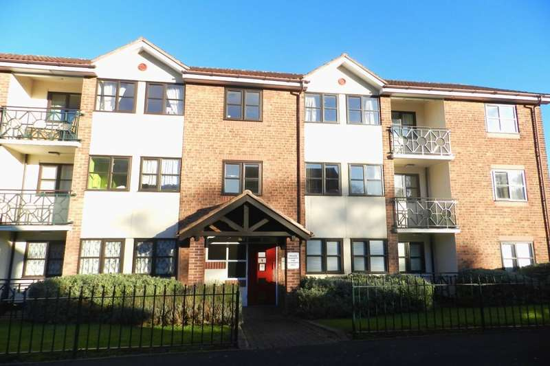 3 Bedrooms Flat for sale in Palmers Grove, Hodge Hill, Birmingham, B36