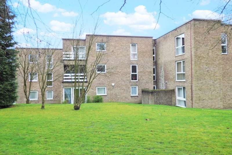 2 Bedrooms Flat for sale in Lister Gardens, Bradford, BD8