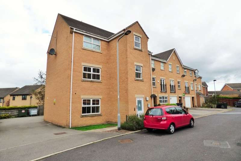 2 Bedrooms Flat for sale in Alred Court, Bradford, BD4