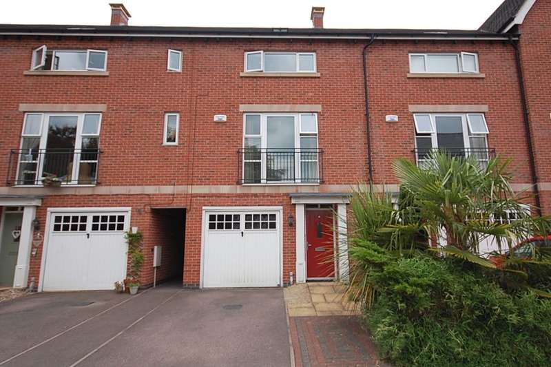 4 Bedrooms Property for sale in Brooke Close, Belper, DE56