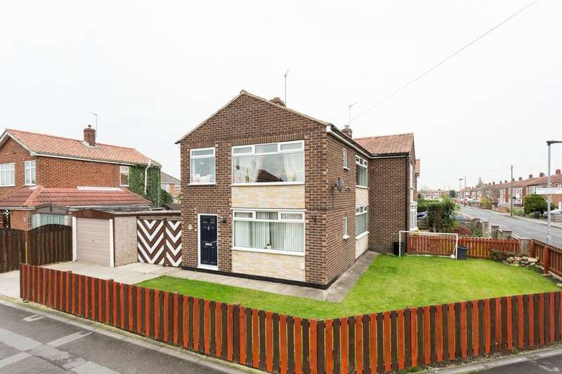 3 Bedrooms Semi Detached House for sale in Eastway, Huntington, York, YO31