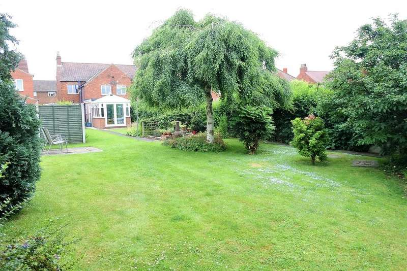 3 Bedrooms Semi Detached House for sale in Brompton Road, Northallerton