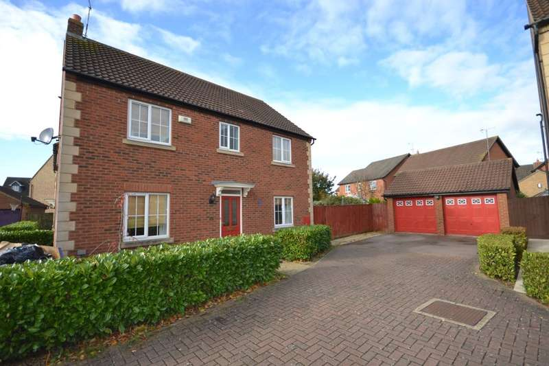 4 Bedrooms Detached House for sale in Wake Way, Grange Park, Northampton, NN4