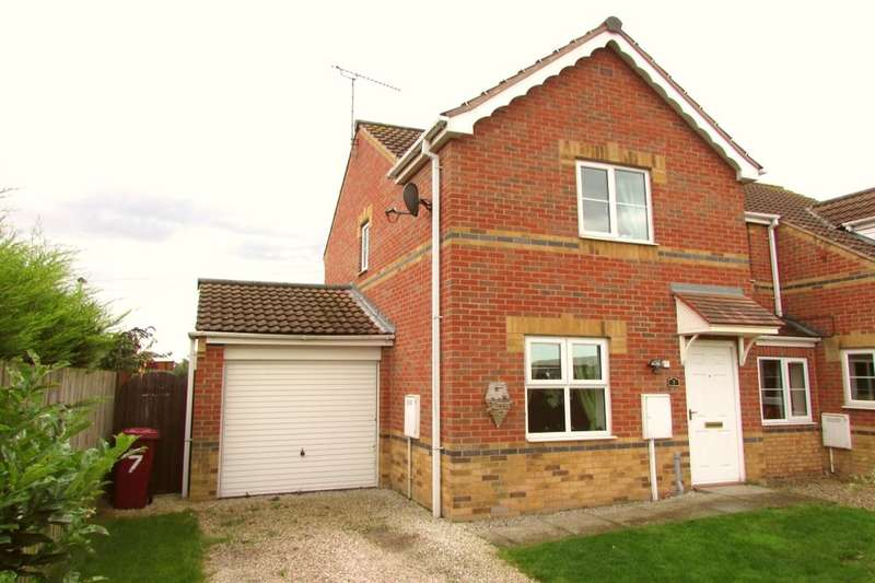 2 Bedrooms Semi Detached House for sale in Herriot Walk, Scunthorpe, DN15