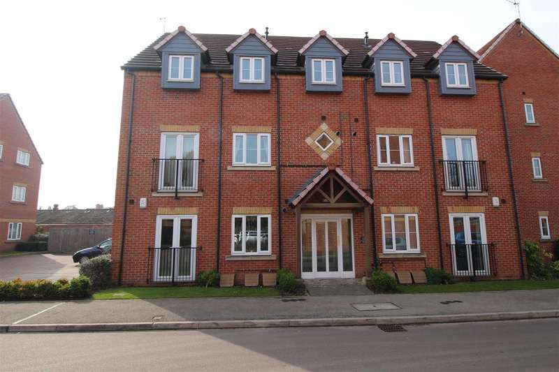 2 Bedrooms Flat for sale in Rushes Close, Beeston, Nottingham
