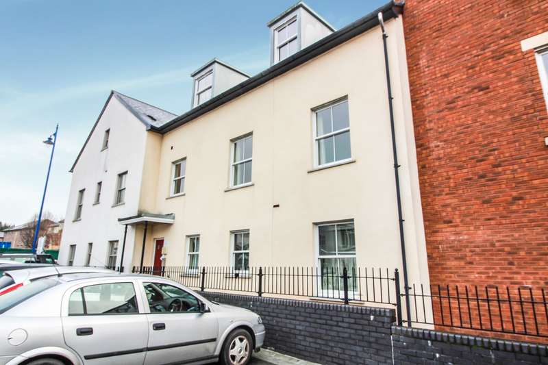 2 Bedrooms Apartment Flat for sale in Newmarket Court, Lion Street, Abergavenny, NP7