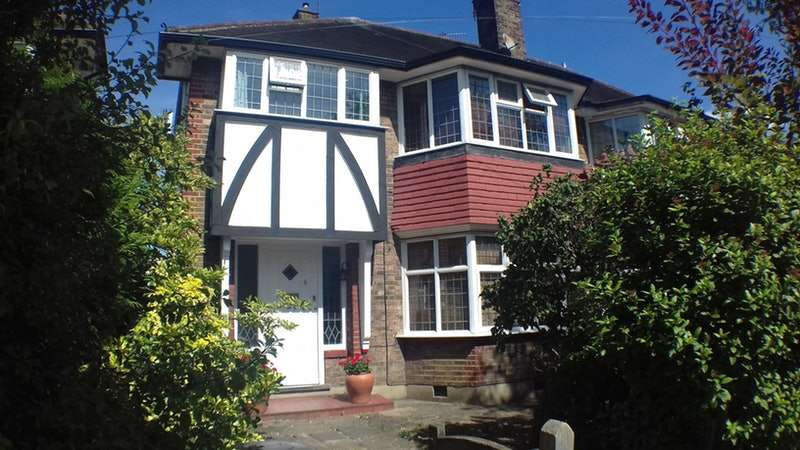 4 Bedrooms Semi Detached House for sale in Court Way, Twickenham, Middlesex, TW2