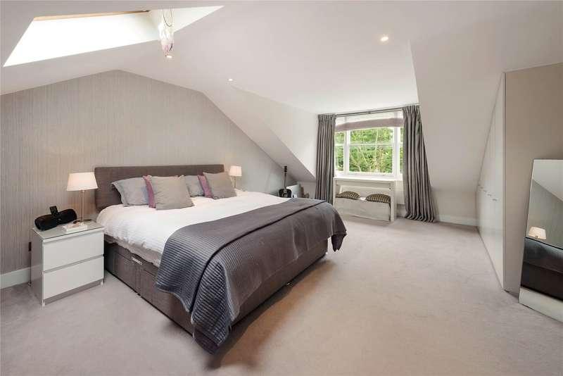 2 Bedrooms Maisonette Flat for sale in Westbridge Road, Battersea, London, SW11