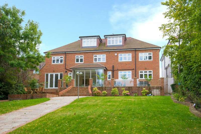 7 Bedrooms Detached House for sale in Hanyards Lane, Cuffley, Potters Bar, Hertfordshire