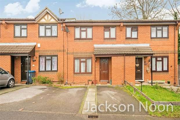 3 Bedrooms Terraced House for sale in Chaffinch Close, Tolworth