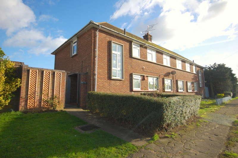 2 Bedrooms Maisonette Flat for sale in Avon Road, Chelmsford, CM1