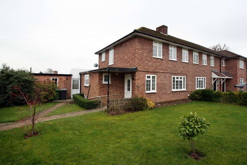 3 Bedrooms Semi Detached House for rent in Buddens Road, Wickham