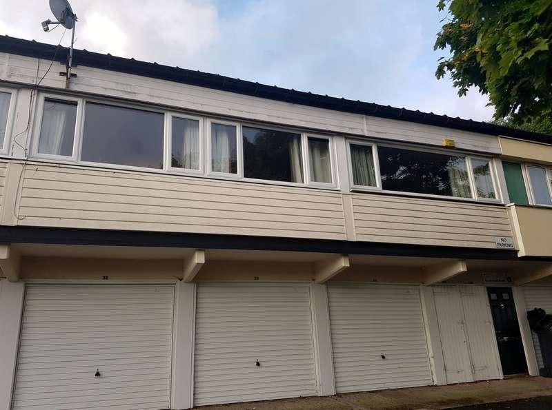 2 Bedrooms Maisonette Flat for sale in Baverstock Road, Druids Heath B14