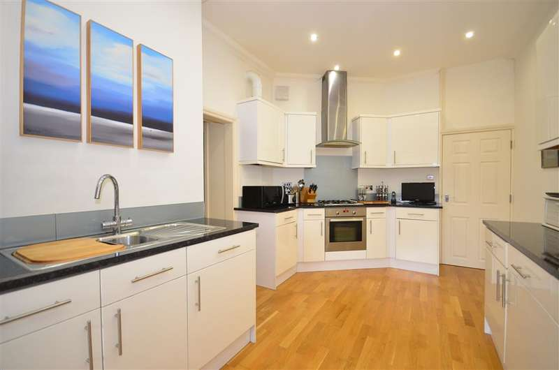 2 Bedrooms Ground Flat for sale in Silwood Place, St Johns Road, , Crowborough, East Sussex
