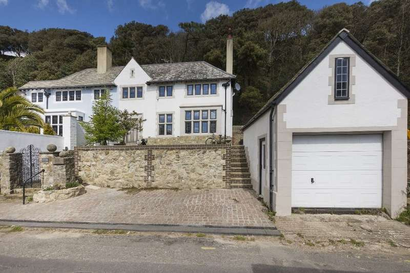 4 Bedrooms Semi Detached House for sale in Well House Radnor Cliff, Sandgate, Folkestone, CT20