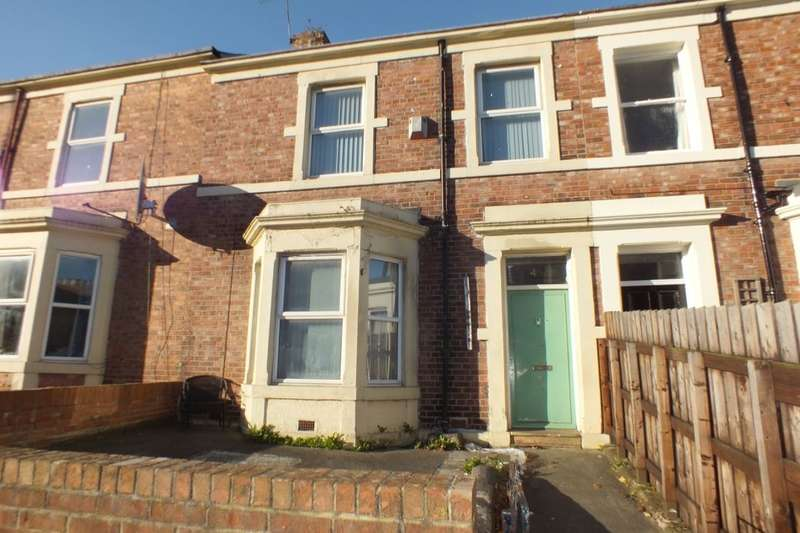 3 Bedrooms Flat for rent in Brighton Grove, Newcastle Upon Tyne, NE4