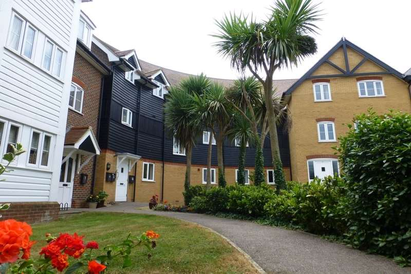 3 Bedrooms Flat for rent in Bluefield Mews, Whitstable, CT5