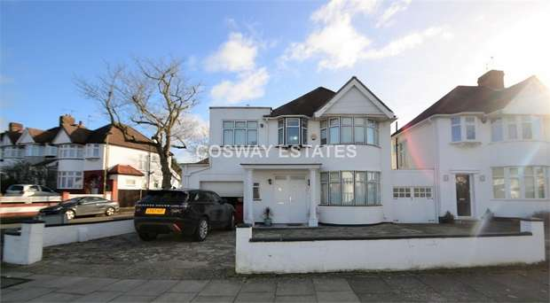 4 Bedrooms Detached House for sale in Stoneyfields Lane, Edgware, Middlesex