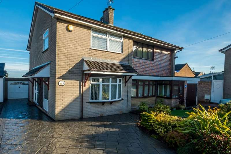 3 Bedrooms Semi Detached House for sale in Forrest Avenue, Essington, Wolverhampton, WV11