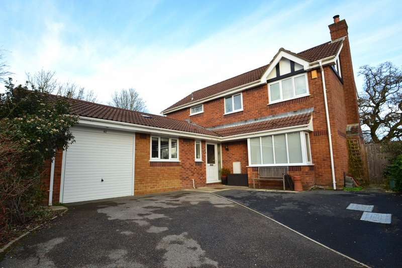 5 Bedrooms Detached House for sale in Broadstone