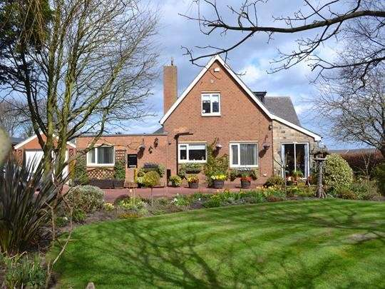 5 Bedrooms Property for sale in Warkworth, Beal Bank, Morpeth, Northumberland, NE65 0TB