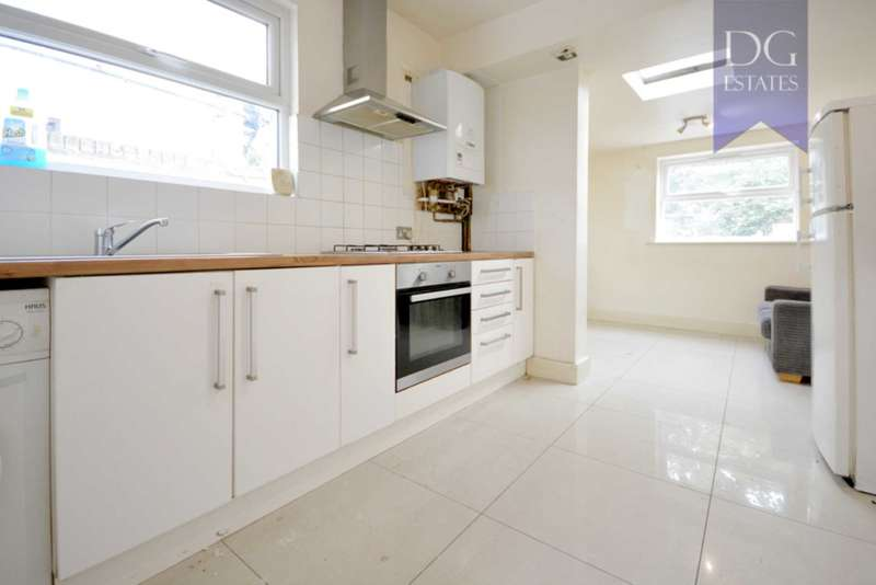 4 Bedrooms Terraced House for rent in Leyton, London
