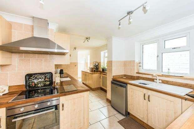 2 Bedrooms Flat for sale in New Malden, Surrey, United Kingdom