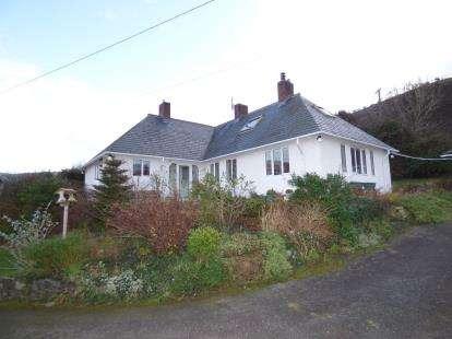 3 Bedrooms Bungalow for sale in Terrace Walk, Llanfairfechan, Conwy, LL33