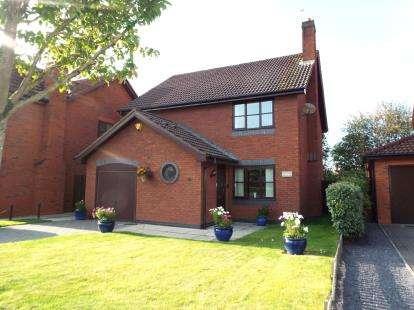4 Bedrooms Detached House for sale in Ffordd Trem Y Foel, Mold, Flintshire, CH7