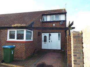 3 Bedrooms End Of Terrace House for sale in Goldcrest Close, London