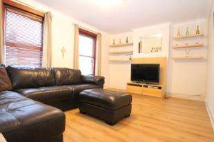 1 Bedroom Flat for sale in Helvetia Street, Catford, London, .