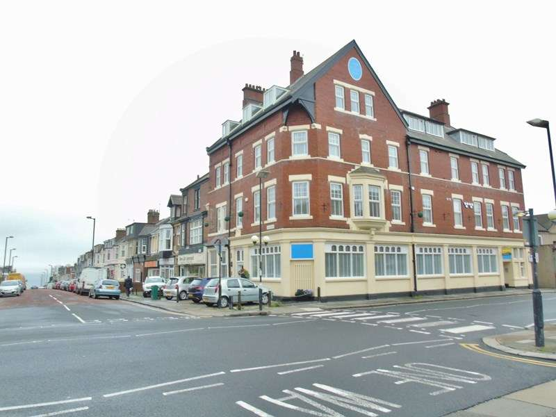2 Bedrooms Apartment Flat for sale in Whitley Road, Whitley Bay, Tyne and Wear, NE26 2LX
