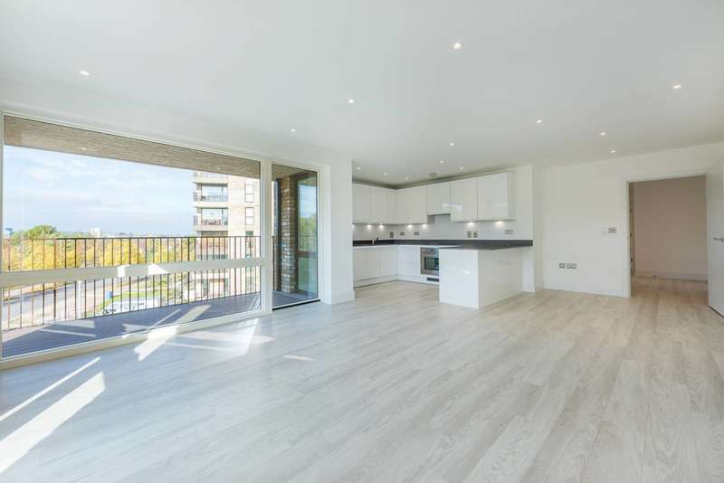 3 Bedrooms Flat for sale in Lakeside Drive, Ealing, NW10