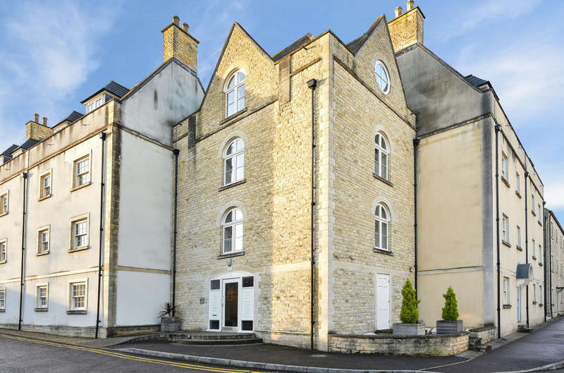 3 Bedrooms Flat for sale in Tetbury