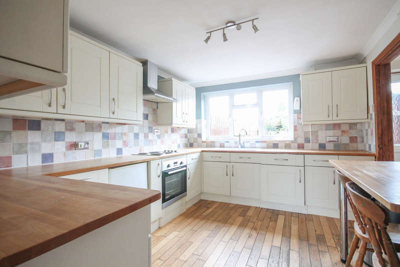 4 Bedrooms Semi Detached House for sale in Broad Field, West Hoathly