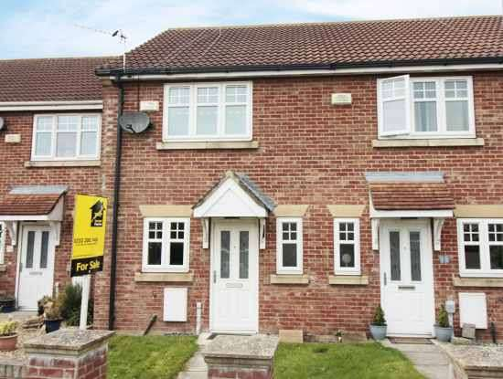 2 Bedrooms Terraced House for sale in Cromwell Road, Hull, North Humberside, HU12 8GF