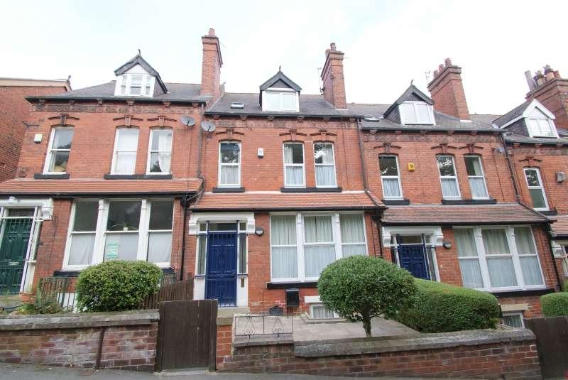 8 Bedrooms Terraced House for rent in Wood Lane, Headingley, Leeds