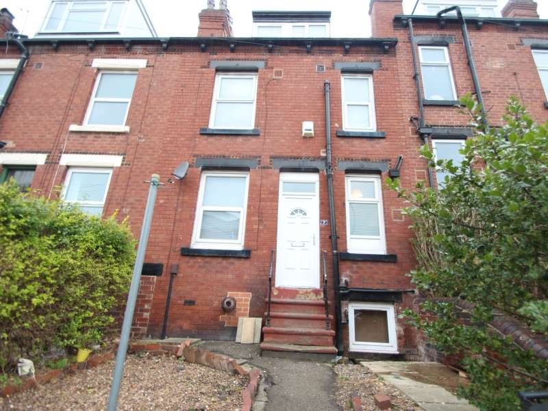 4 Bedrooms Terraced House for rent in Wetherby Place, Burley, Leeds