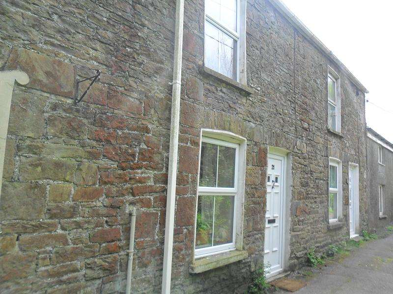 2 Bedrooms Semi Detached House for sale in Owens Lane, Godrergraig, Swansea.