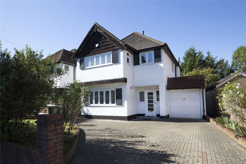 4 Bedrooms Detached House for sale in Hampton Court Way, Esher, Surrey, KT7