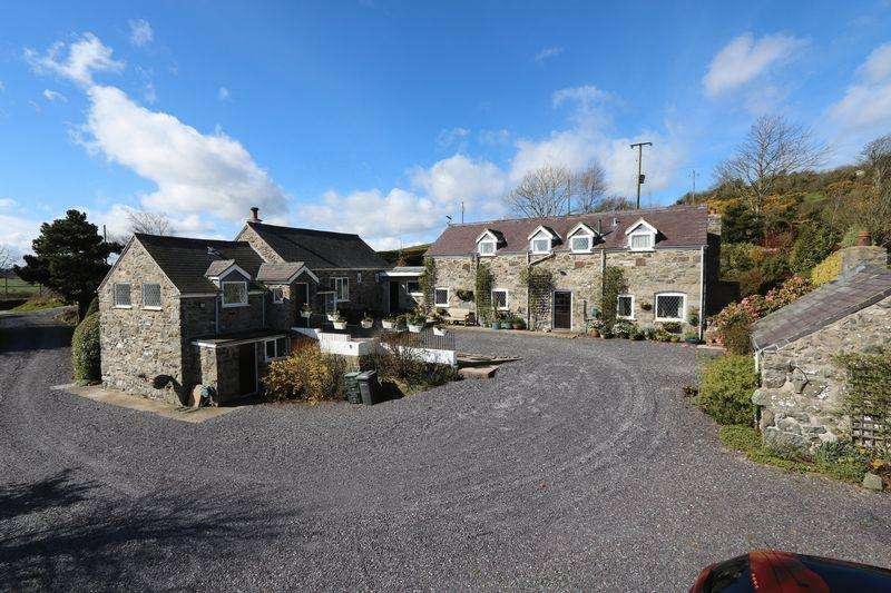 4 Bedrooms Barn Conversion Character Property for sale in , Llannefydd