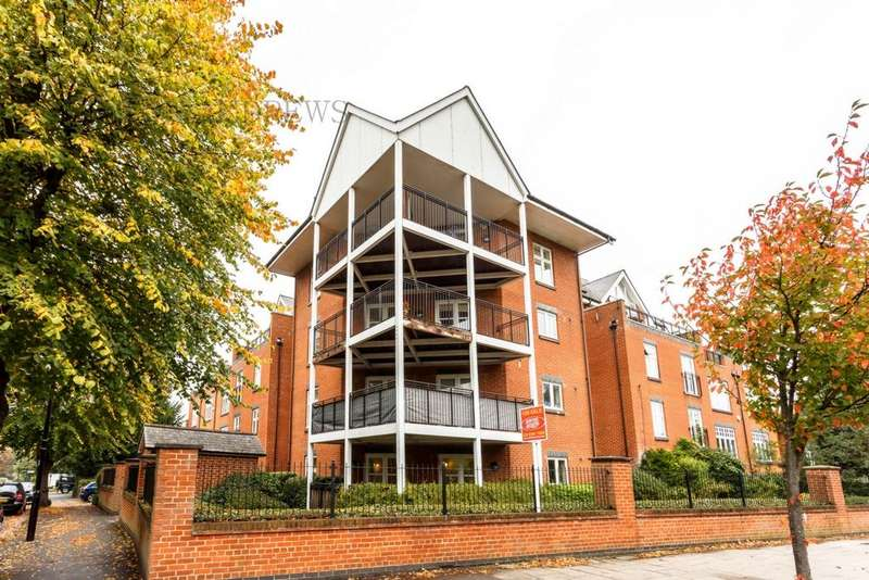 1 Bedroom Flat for sale in Old Court, Montpelier Road, Ealing, W5