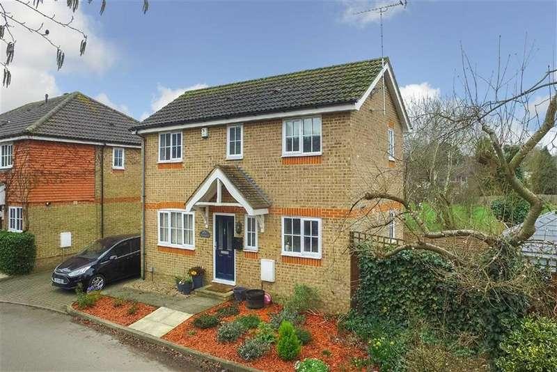 2 Bedrooms Detached House for sale in Riverbanks Close, Harpenden, Hertfordshire