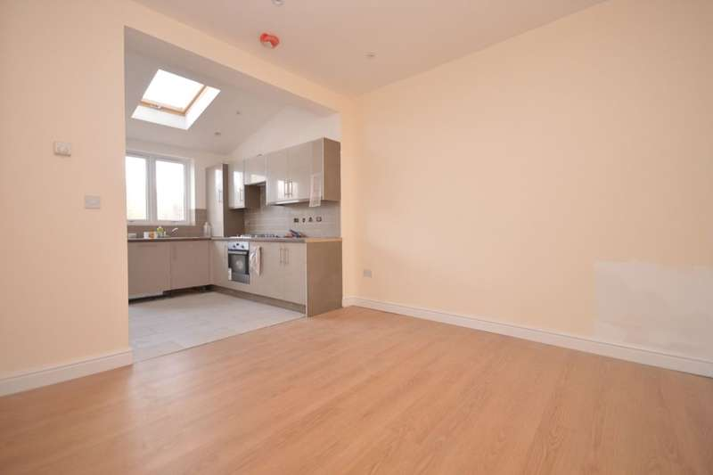 4 Bedrooms Terraced House for rent in Sangley Road, London, SE6