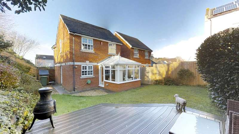 3 Bedrooms Detached House for sale in Aberdeen Avenue, Plymouth, PL5 3UF