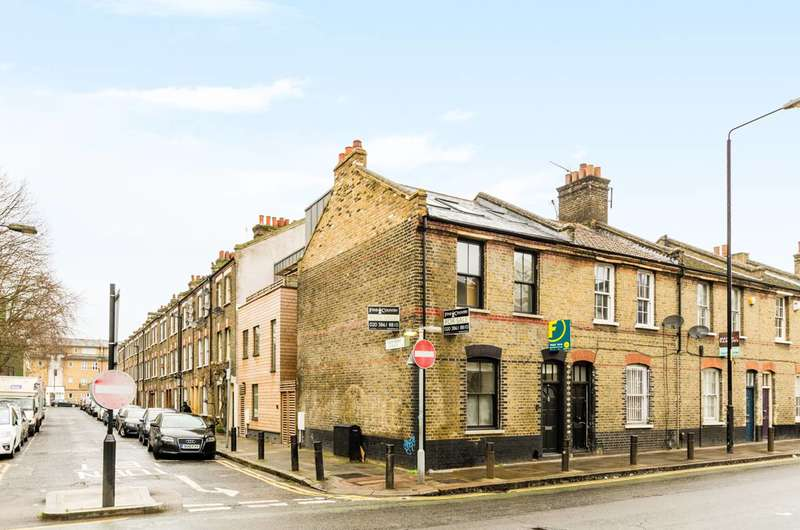 3 Bedrooms Maisonette Flat for sale in Vallance Road, Shoreditch, E2