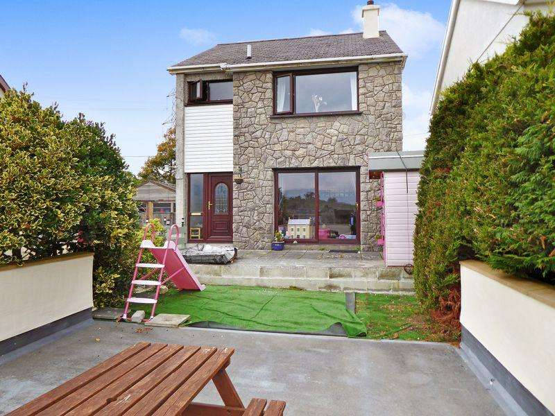 3 Bedrooms Detached House for sale in Penisarwaun