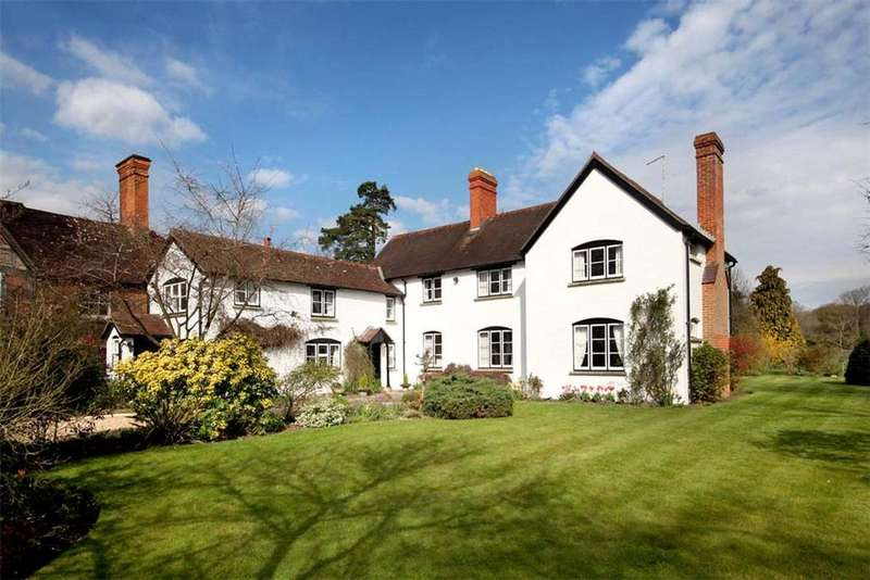 5 Bedrooms Detached House for sale in Vicarage Lane, Hound Green, Near Mattingley, RG27
